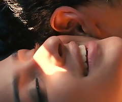 Parineeti Chopra Train Dealings Scene Ishaqzaade (2012) Motion picture