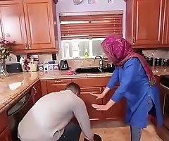 Hot Arab Hijabi Muslim Gets Drilled by beggar XXX video Hot