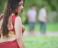 Hot Bhabhi there Saree showing burn the midnight oil - Bet 1
