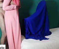 Moroccan wife wearing jilbab (couplediaries)