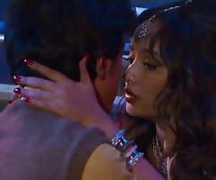 Sexy Indian Kavita Bhabhi Ke Saath Omnibus Me Chudai