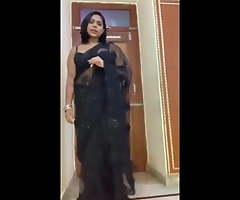 Hot Indian Busty Bhabhi Fucking Electrician – Hindi audio