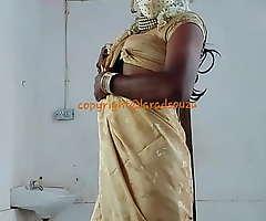 Indian erotic crossdresser Lara D'Souza saree video