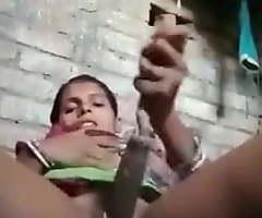 Indian women Masturbating on Cam