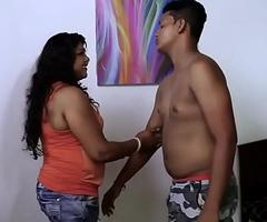 Hot desi Girl Bowels Suck..Nipple show