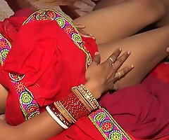 Indian Young Bhabhi Sucking Going to bed With Lover