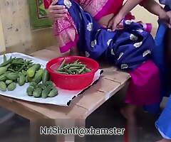 Sabji Bech Rhi Thi Uncle Ne Gaand Mari Hindi Audio