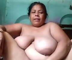 Mature Moti Aunty Fingering Muff & Similar Nude Body