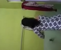 Bhabhi Self Recorded Fully Scanty Bathing Clip