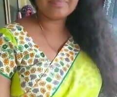 Hot Sri Lankan Tamil Aunty