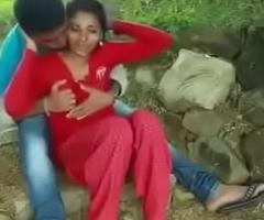desi couple'_s romance in park full mms