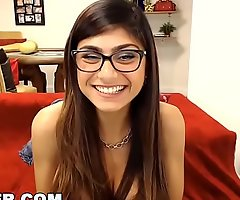 Camster - unstinted love bubbles arab pornstar mia khalifa interacting on touching her fans