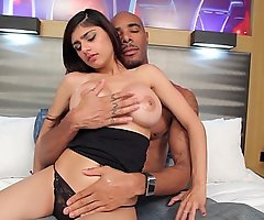 Carrying-on with mia khalifas fur pie