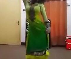 Sexy dance on bollywood circulate