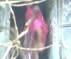 indian aunty changing saree 2