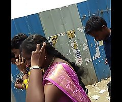 desi south indian young mummy chap-fallen posted &_ boob show 1