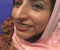 Arab princess acquires her tight shaved