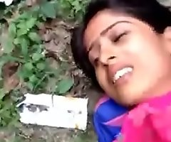 Desi girl Making out outdoor part 1