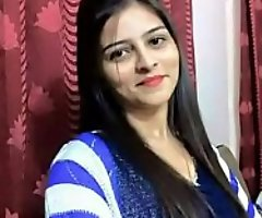 हिंदी - कॉलेज के हॉस्टल में बुलाकर अपनी गर्लफ्रेंड को खूब चोदा